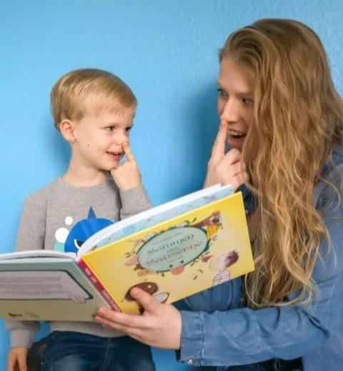 dialogisk læsning med bogen sammen om sanserne